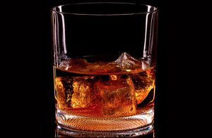 Kentucky-Bourbon-glass-611